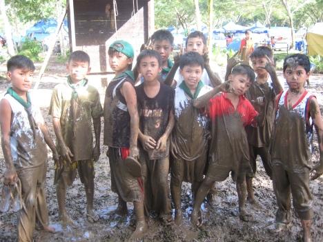 """BatangRizal Scouts """"SURVIVORS"""" na nagmula sa Rizal Central, Pook & Antipolo Elementary School matapos ang kanilang obstacle course"""