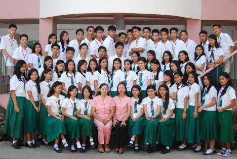 Graduating Class IV-Crimson