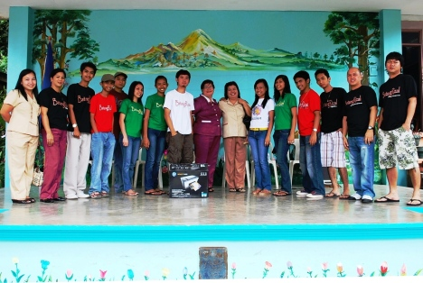 BatangRizalOrg. members during the turnover of a Hewlett Packard 3in1 Scanner, copier & printer to the Pook Elementary School