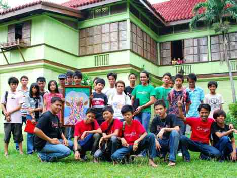 BatangRizal Org. members with the Likha Artist of Calamba, Laguna