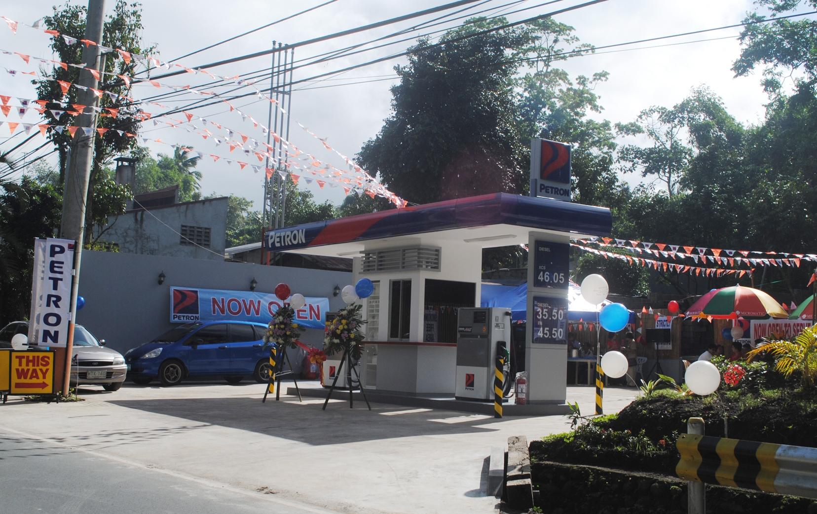 petron gasoline station in the philippines A fire hit the petron gasoline station in shaw boulevard, mandaluyong  manila - (3rd update) a fire hit a petron gasoline station on shaw.